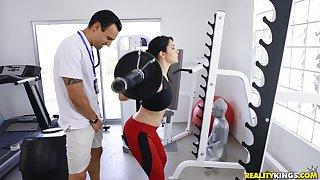 Sporty Valentina Nappi enjoys sex approximately the gym to a horny cram